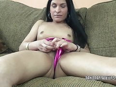 Alien MILF Naomi Akund of Swat is effectuation with will not hear of sweet pussy