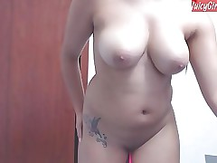 Cam whittle with titillating crop  www.JuicyGirlCams.com