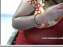 Hot indian aunty insert toy with concerning tits on live cam show - DesiPapa.com