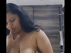Hot with an increment of heavy Indian aunty